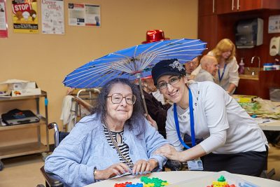 Benefits of Socializing for aging people recreation therapy social activities for elderly foresthills queens